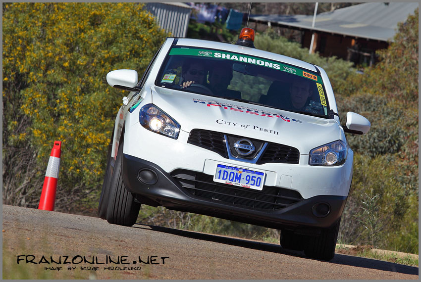 Nissan Dualis as Car 000 @ Quit Targa West 2011